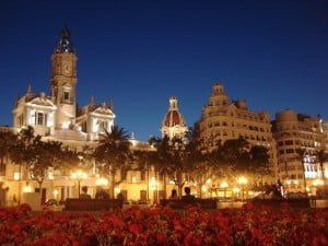 Plaza Ayuntamiento-ten-reasones-to-learn-spanish-in-valencia
